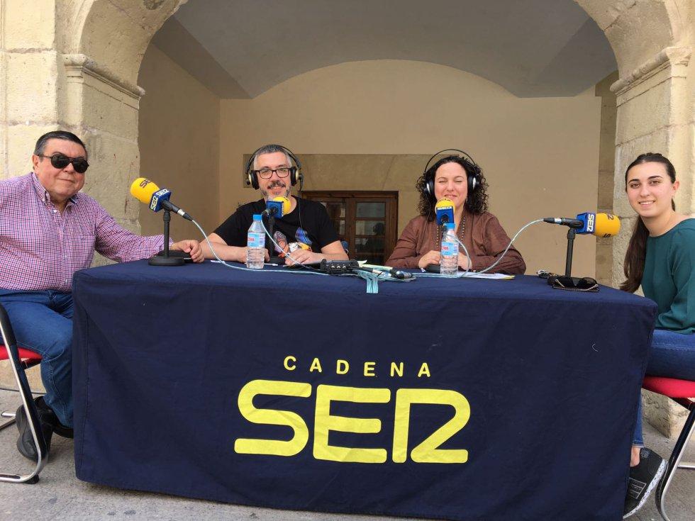 Ramón Rocamora, Capitán de la Santa Cruz y Andrea Lozano, reina Cristiana