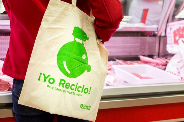 4e5312ff7 El Ayuntamiento reparte en esta campaña 400 bolsas de tela