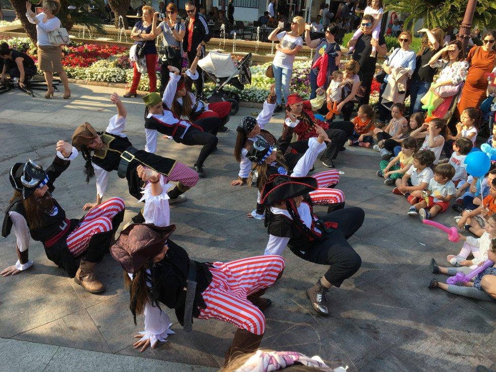 Actuación de la Dance School Murcia (1)