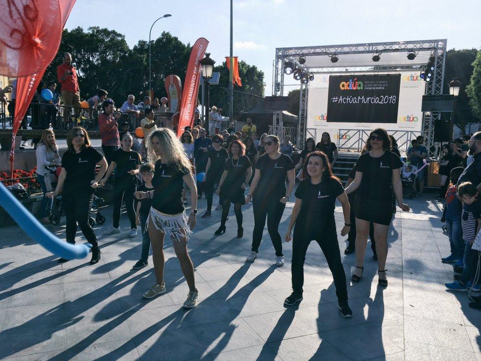 Aerodance, actuando en la Glorieta de Murcia