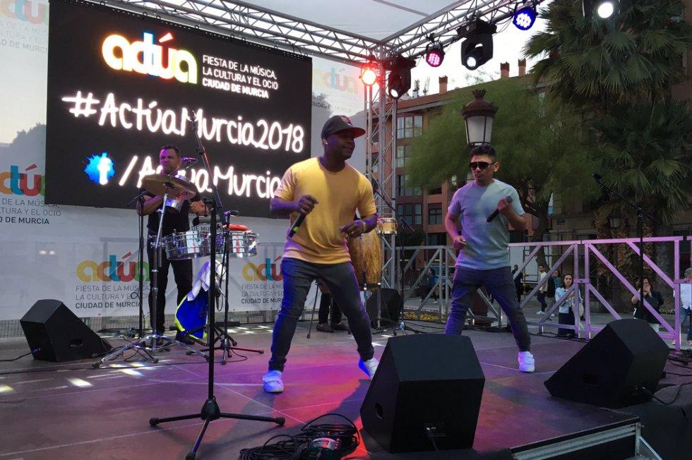 El mejor ritmo latino con Lati2s