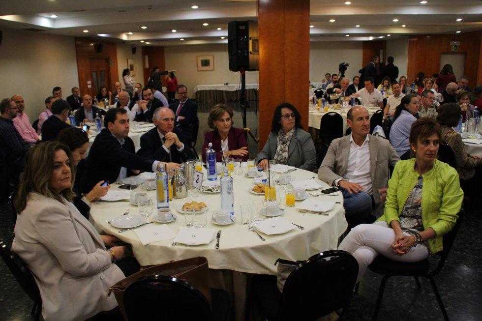 Parlamentarios nacionales, provinciales y miembros de la corporación municipal han participado en la jornada