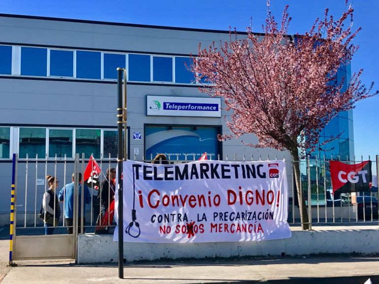 Un momento de una movilización de protesta en Teleperformance