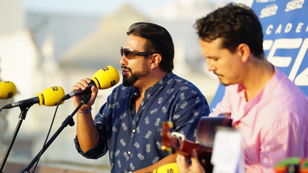 José Anillo y Andrés Hernández Pituquete pusieron el toque flamenco a la final del Doctorado Honoris Cádiz