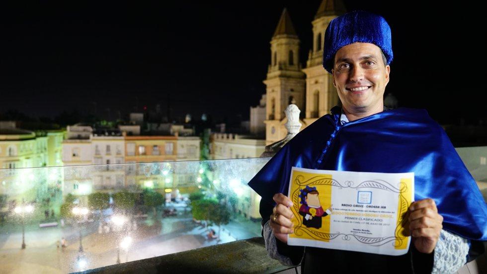 Sergio Marín se convierte en el tercer doctor honoris Cádiz y sucede en el cargo a Javier Orellana y Javier García