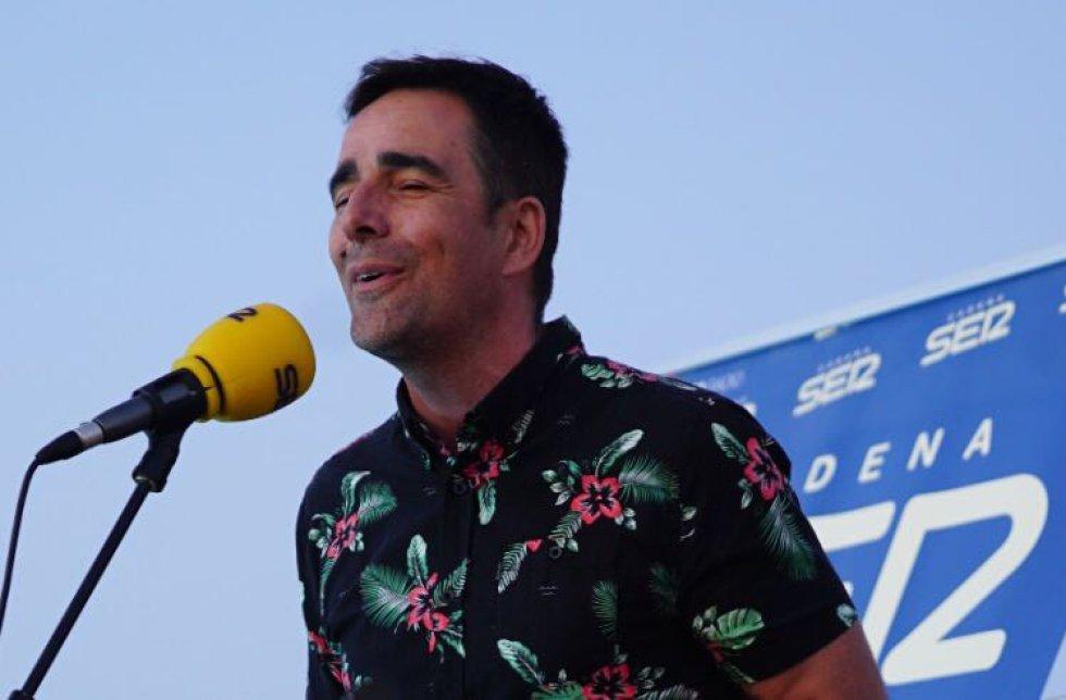 Dani Obregón no necesitó guitarra para encandilar con su magnífica voz a capela interpretando un pasodoble de Las estaciones