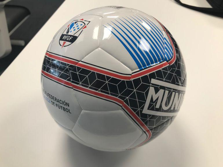 241dce4bfbf5b A Xunta Directiva da Real Federación Galega de Fútbol aprobou designar un  balón oficial para as competicións de fútbol sala dependentes da Federación