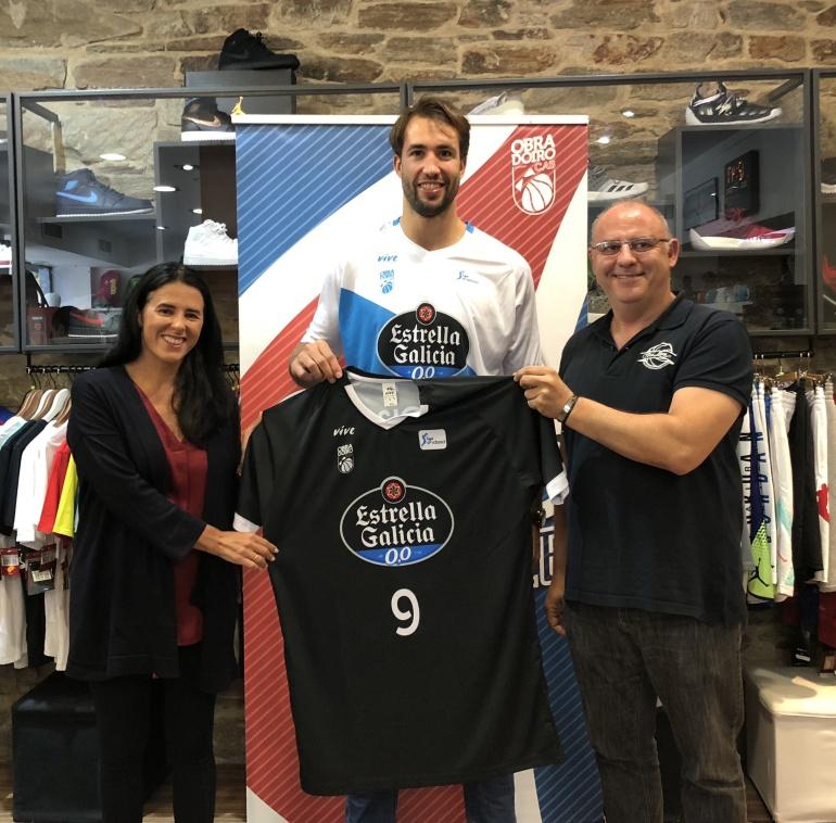 El Obradoiro presenta nuevas camisetas con mangas y sigue sin ... 62ac9c6bc61