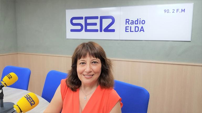 Teresa Bellod, directora de la Revista Fiestas Mayores, en Radio Elda