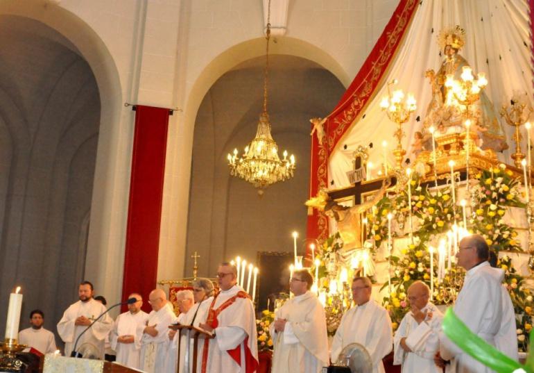 Imagen de la Misa concelabrada dedicada a la Virgen de la Salud