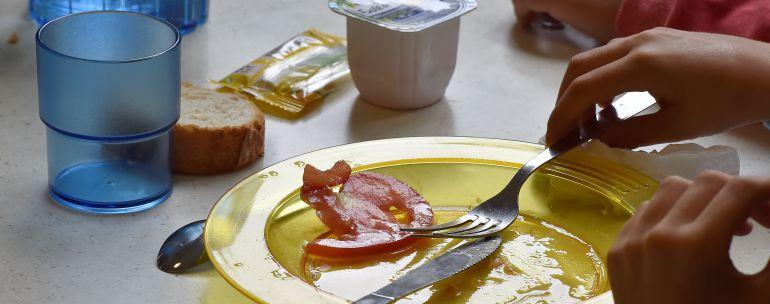 A Coruña: Más de 1.600 alumnos cuentan con una beca comedor durante ...
