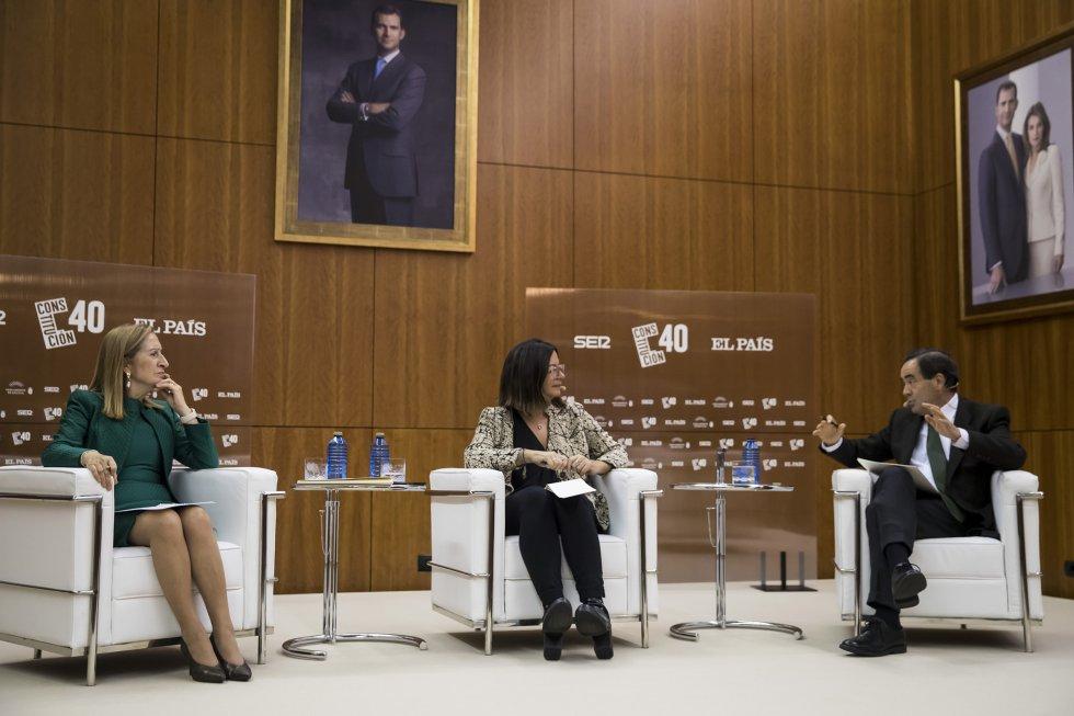 Un momento del debate que se ha celebrado en el Salón dos Reis del Parlamento de Galicia.