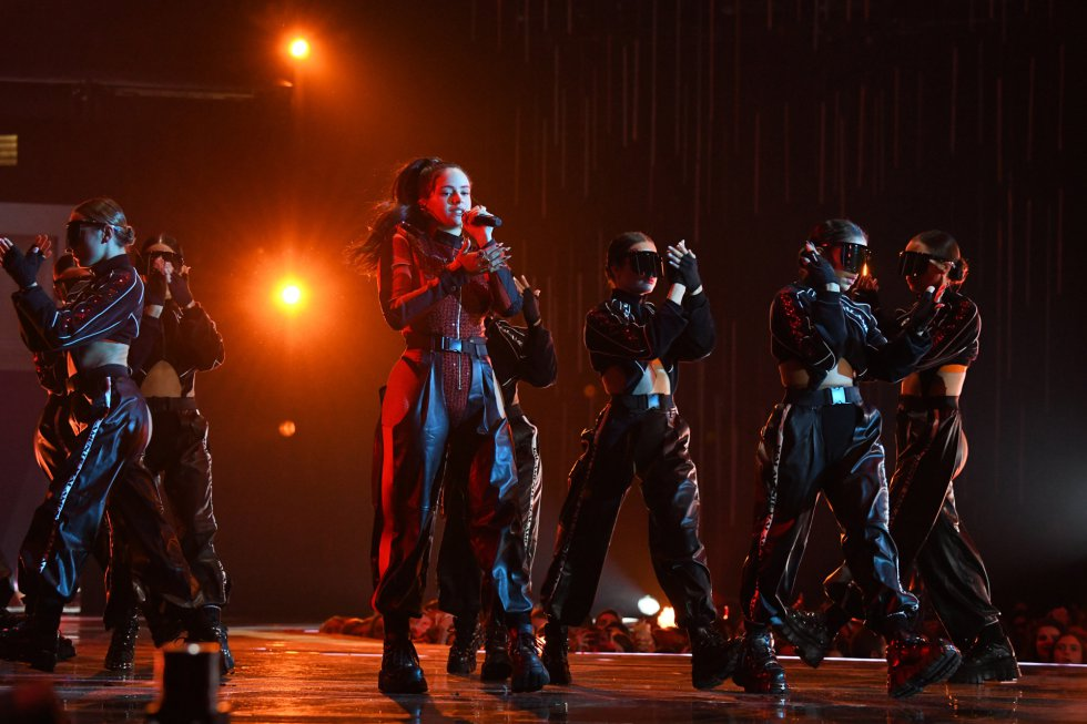 BILBAO, SPAIN - NOVEMBER 04:  Rosalia performs on stage during the MTV EMAs 2018 at Bilbao Exhibition Centre on November 4, 2018 in Bilbao, Spain.  (Photo by Kevin Mazur/WireImage)