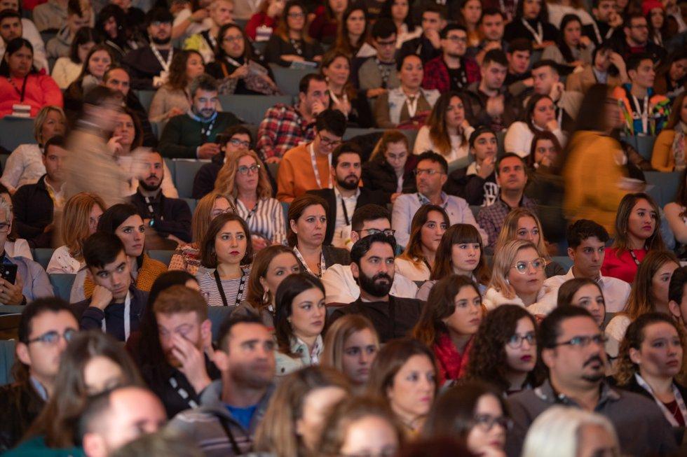 El público sigue con interés el incio del Branding Day Cádiz