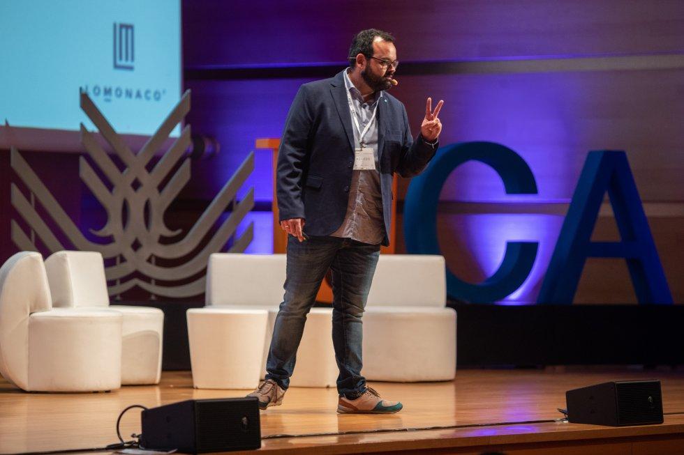 """Antonio Toledo, Director Comercial y de Marketing de Grupo Lo Monaco, durante su conferencia """"Publicidad-Notoriedad y Consideración"""""""