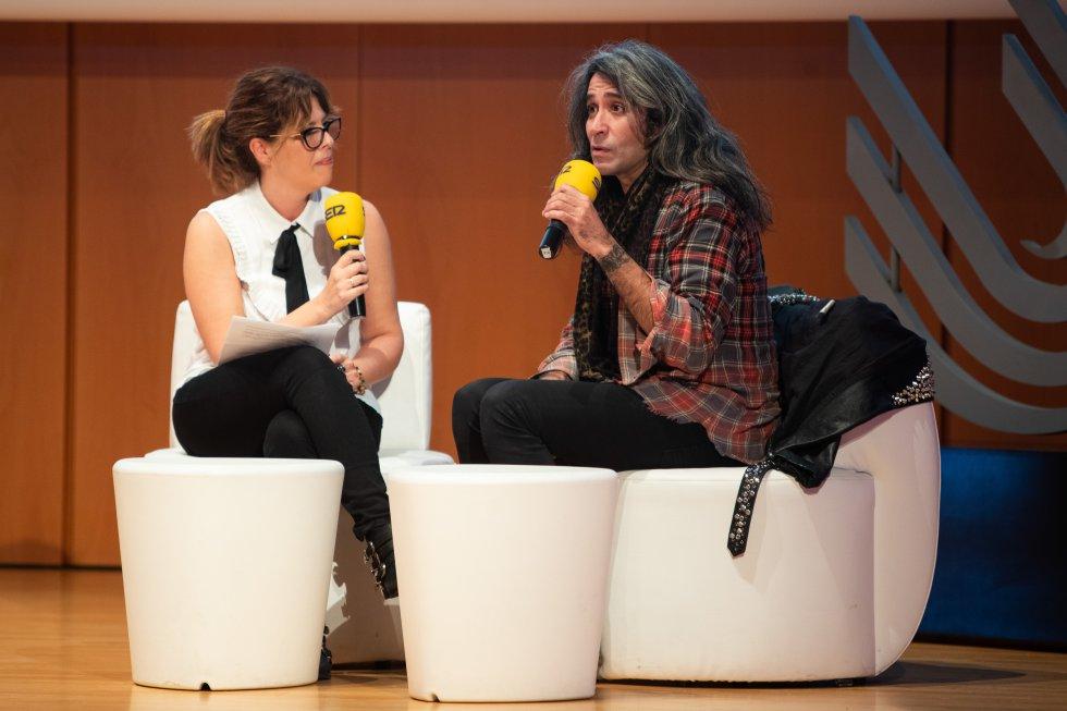 La periodista Ana Candón entrevista a Mario Vaquerizo, Mánager, escritor, cantante y colaborador de radio y televisión