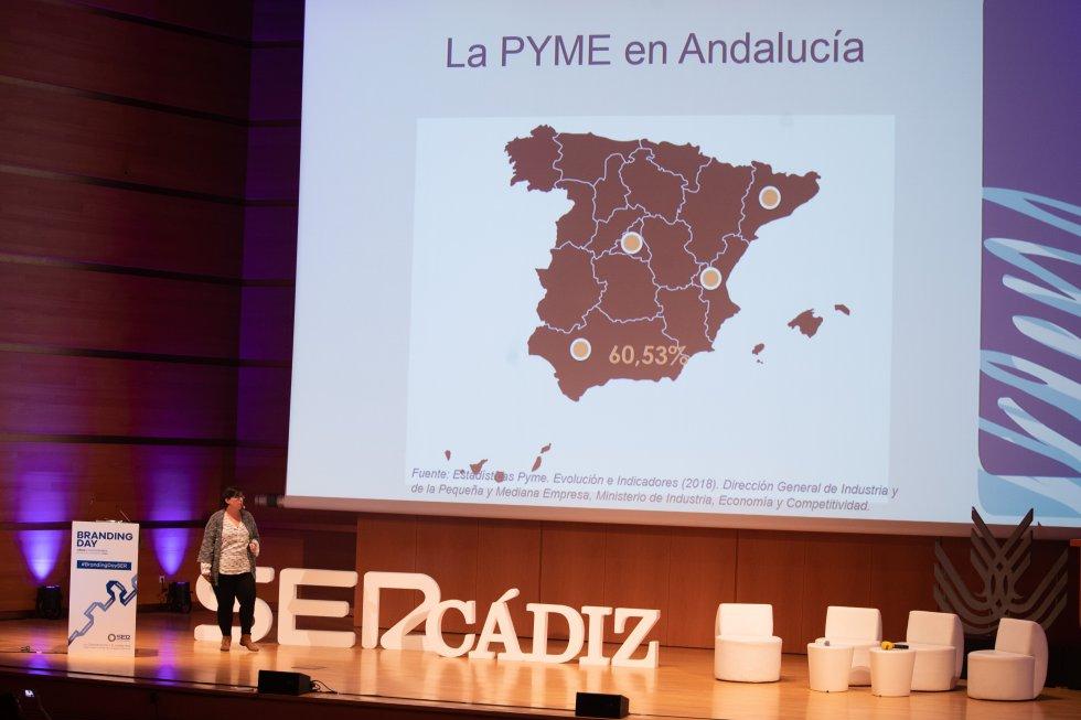 """""""Las Marcas en el Universo de la Pyme"""", título de la conferencia de la profesora de la UCA Guadalupe Meléndez"""
