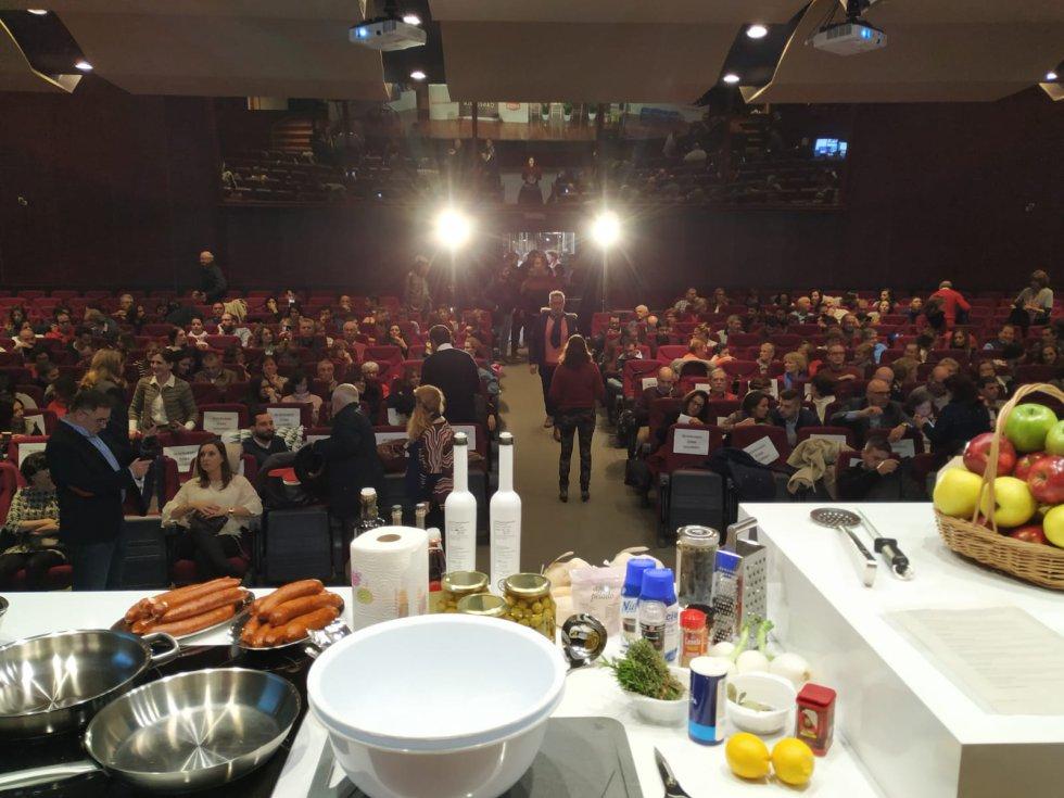 Canela Fina es un evento de la Cadena SER, organizado con la Cátedra de Gastronomía, la Universidad de Córdoba, el patrocinio de La Oportunidad y Deza Calidad y la colaboración de Emacsa, La Abuela Carmen, Denominación de Origen de Aceite de Pago, Denominación de Origen de Vinos Montilla Morales, Infrico y Frutas Valverde.