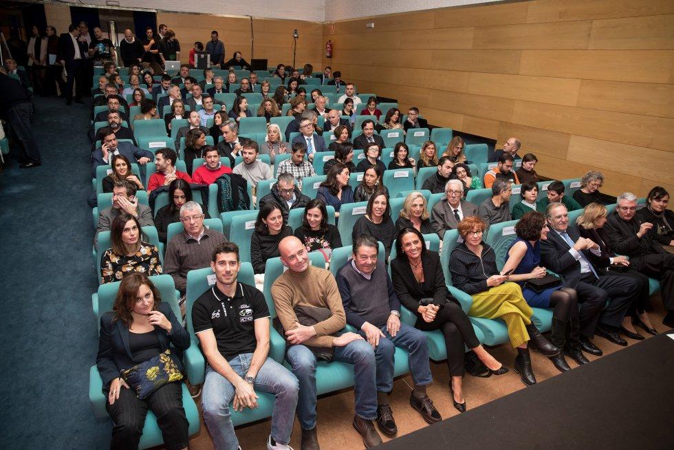 Los premiados sentados en primera fila minutos antes de recibir el SERenidade 2018.