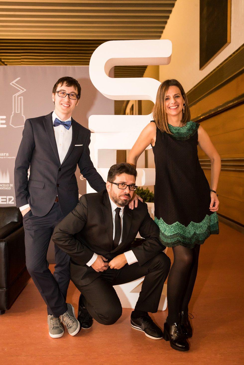 Los presentadores de la gala, Luis Pardo (centro), Ainhoa Apestegui y Ricardo Rodríguez.