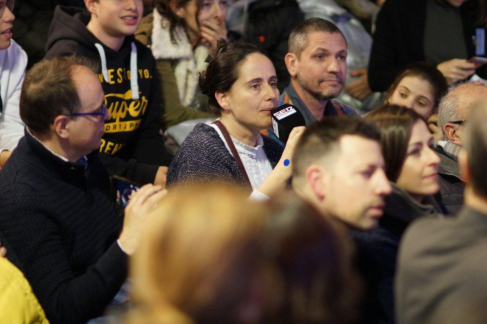 Per l'Estudi Toresky de Ràdio Barcelona van passar-hi més de 700 persones, algunes van aprofitar per licitar en directe