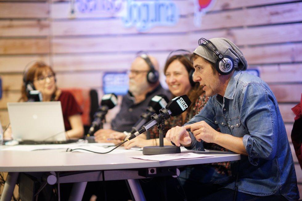 Manuel Fuentes va aprofitar la seva visita al programa en directe per licitar per alguns objectes