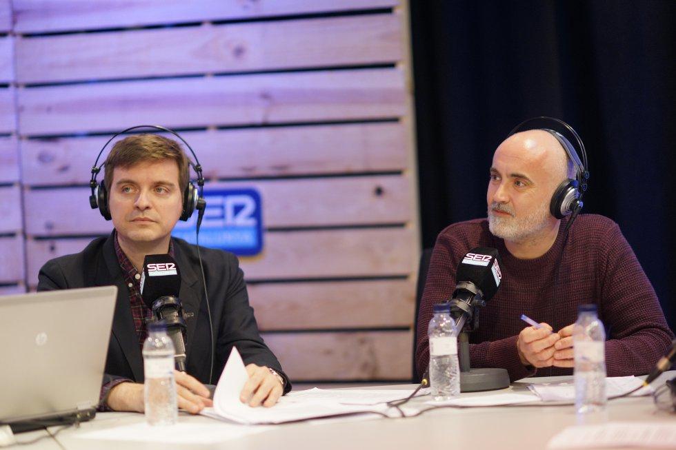 """Óscar Morè, presentador d' """"Espècies Protegides"""" i el periodista Marc Giró"""