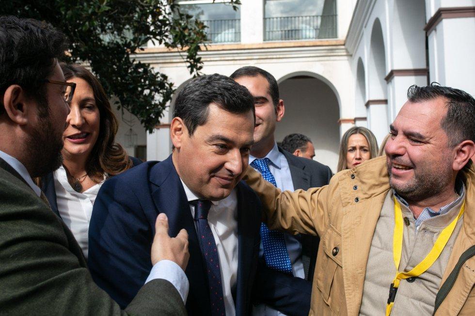 El líder del  PP-A, al concluir su discurso como candidato a la investidura para ser presidente de la Junta de Andalucía