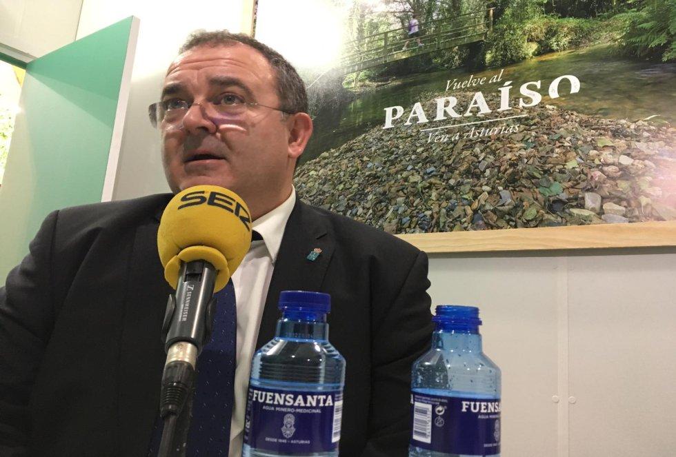El consejero de Industria, Empleo y Turismo, Isaac Pola, interviene en el programa especial en Fitur