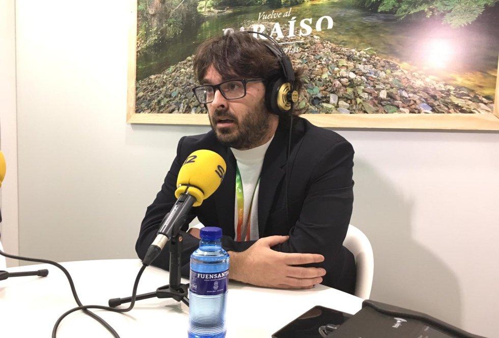 El alcalde de Llanes, Enrique Riestra, durante la entrevista