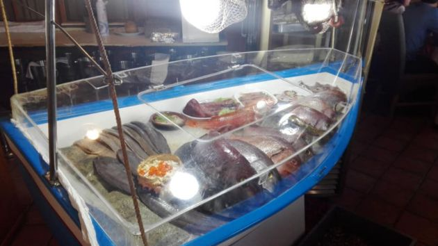 Original expositor de pescado en Casa Mané