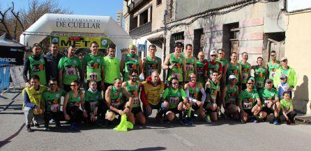 Los atletas del Club Atletismo Cuéllar preparados para disputar la Carrera Murallas de Cuéllar 2019