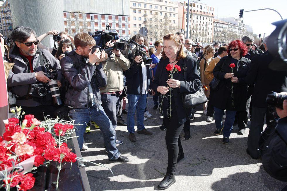 Ofrenda floral y suelta de globos en el acto 'In Memorian' en recuerdo a las víctimas de los atentados del 11-M.