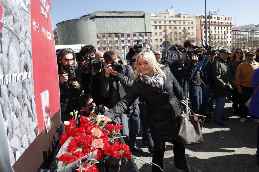 Ofrenda floral y suelta de globos en el acto 'In Memorian' en recuerdo a las víctimas de 11-M en la estación de Atocha de Madrid.