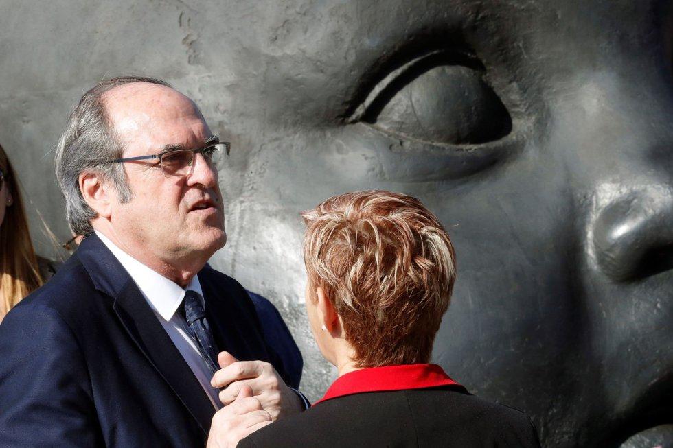 El candidato del PSOE a la Comunidad de Madrid, Ángel Gabilondo , en el homenaje a las víctimas del 11M que se ha rendido este lunes en la estación de Atocha, donde explosionó uno de los trenes.