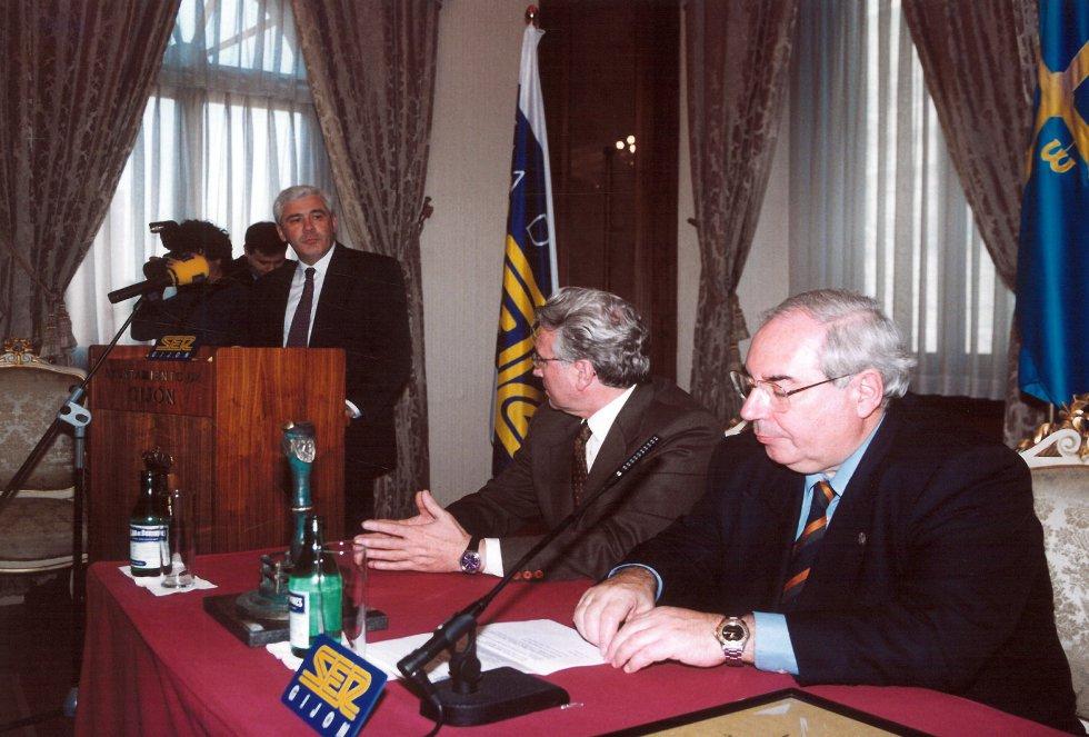 Acto de entrega del Premio en 1999