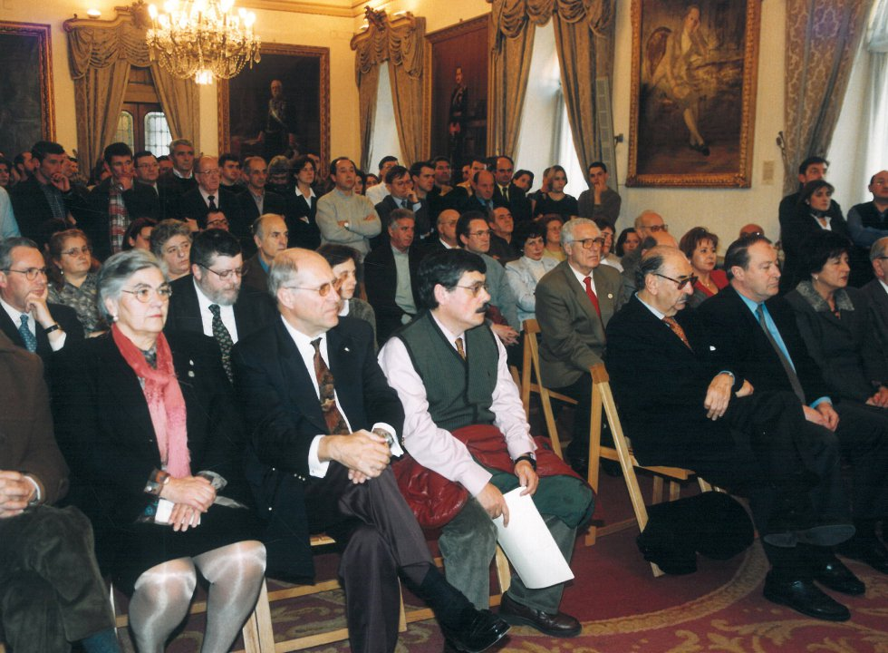 Asistentes a la entrega del galardón (1999)
