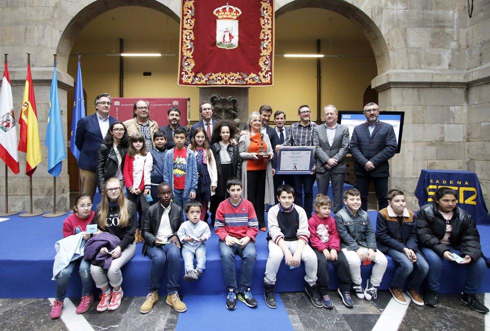 Foto de familia del galardonado 'Mar de Niebla'