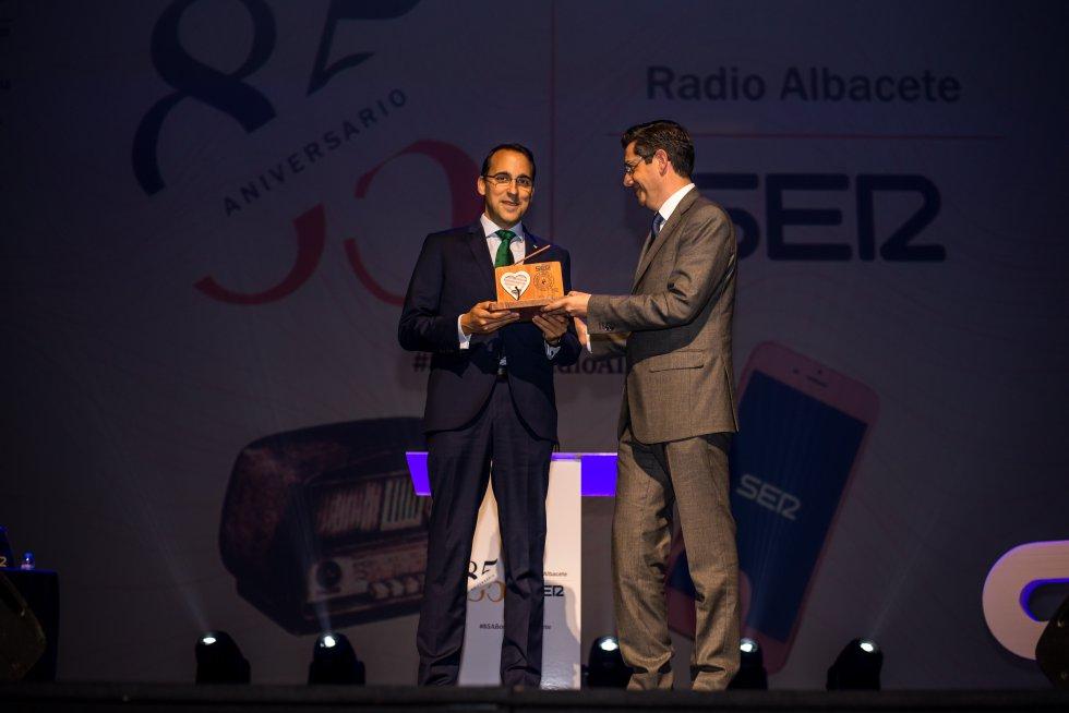 Pedro Palacios, director general de Globalcaja recibe el Reconocimiento Financiero