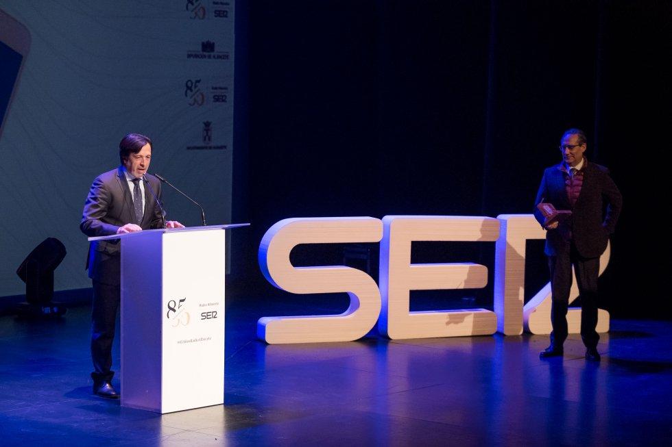 Artemio Pérez, presidente de FEDA recibió el Reconocimiento al empresario