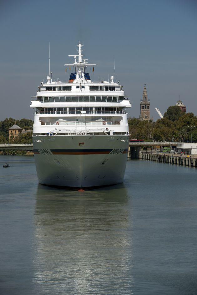 Cerradas unas 20 escalas de cruceros en Sevilla para los próximos tres años