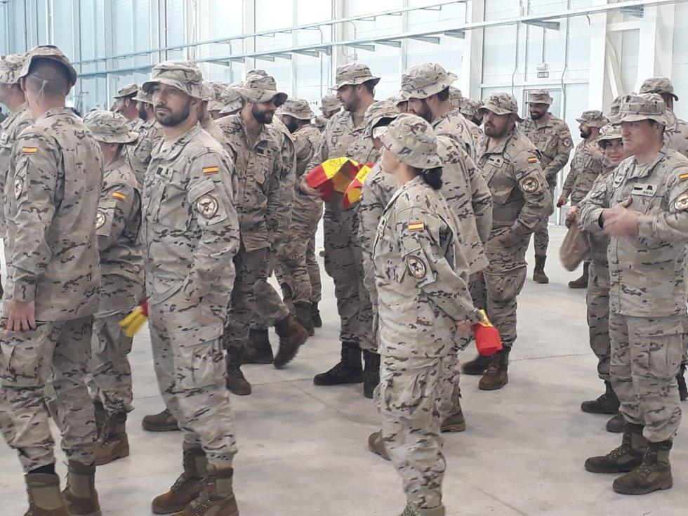 FOTOGALERÍA | Imágenes de la despedida en Almagro del contingente militar que parte hacia Irak