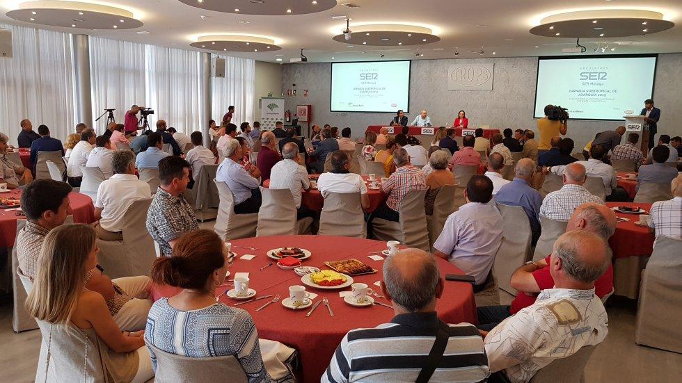 Numerosos empresarios del sector de los subtropicales han acudido al Encuentro SER en Vélez-Málaga