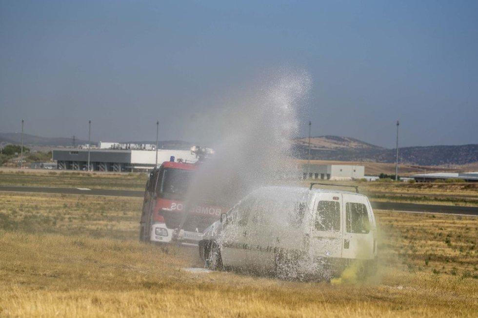 Así ha sido el simulacro de accidente en el Aeropuerto de Ciudad Real