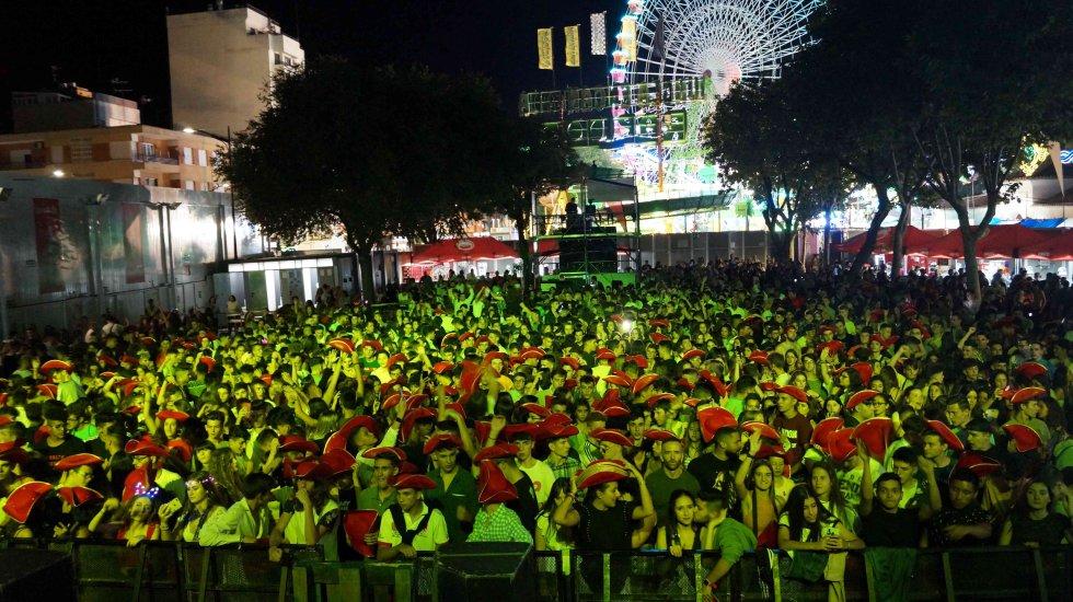 La Fiesta Máxima FM llenó la Carpa Viva la Feria