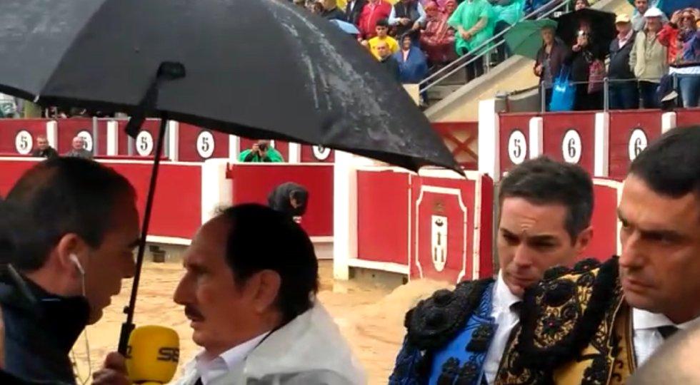 Las imágenes de la cancelación de la corrida de toros del Juli, Manzanares y Ureña