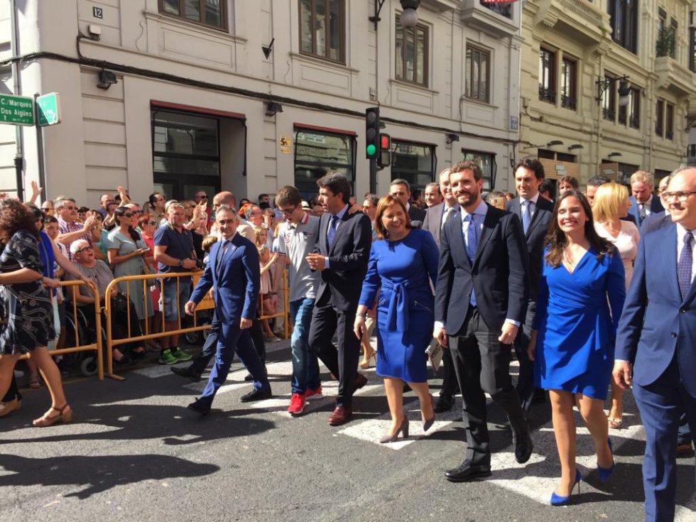El líder del Partido Popular, Pablo Casado, ha acompañado a María José Catalá durante la procesión por las calles de València