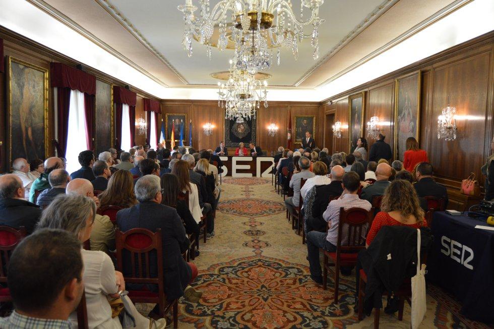 Salón de Recepciones abarrotado en la entrega del Premio Avilés Ciudad de Vanguardia