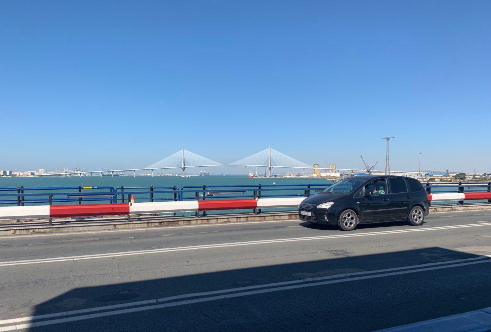 El Puente Carranza, inaugurado el 28 de octubre de 1969, recibe actualmente una media de 23.000 coches al día