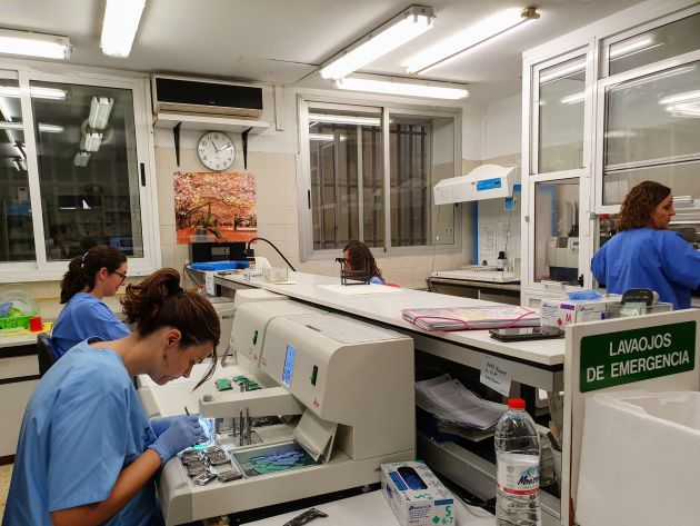 Laboratorio en el Hospital de Elda